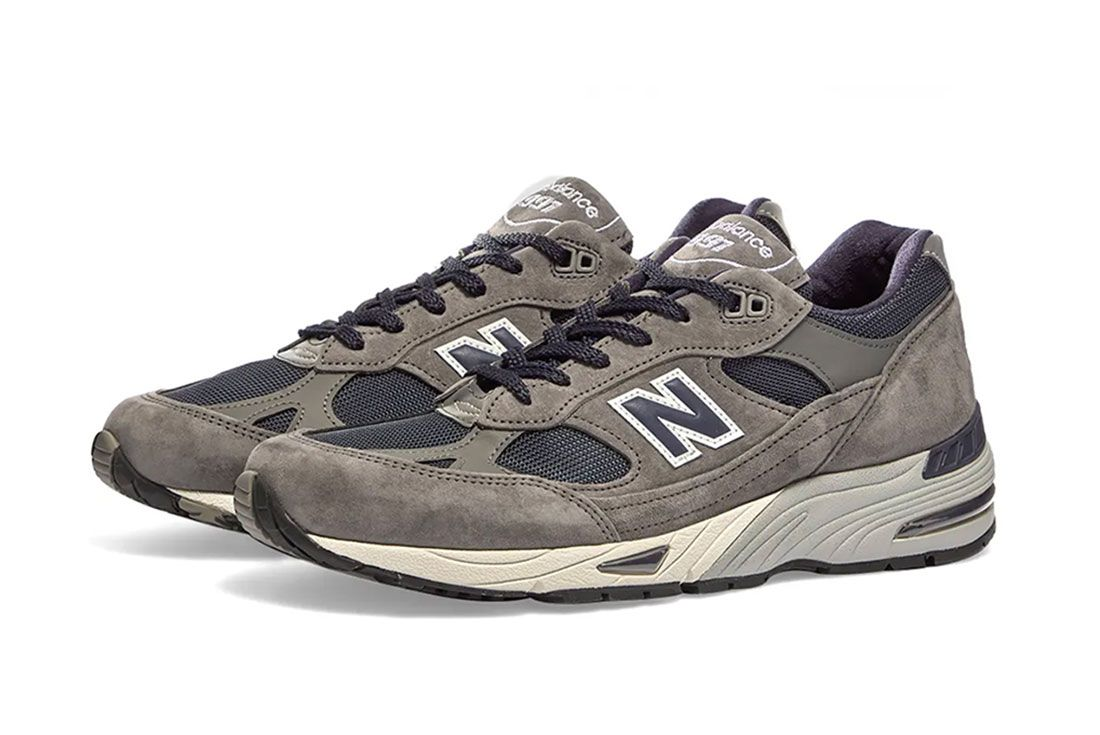 New Balance M991Sgn Grey Three Quarter Lateral Side Shot