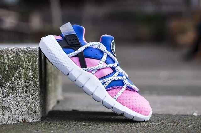 Nike Huarache NM (Royal Blue/Pink Flash) - Sneaker Freaker