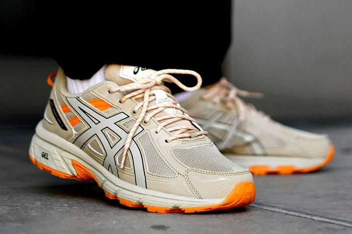 Asics Gel Venture 6 Putty Right Angle Shot