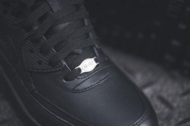 Nike Air Max 90 Leather Triple Black Bumper 1