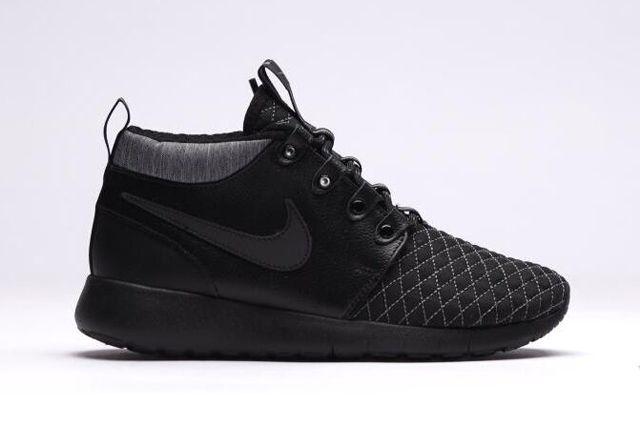 Nike Roshe One Mid Black 1