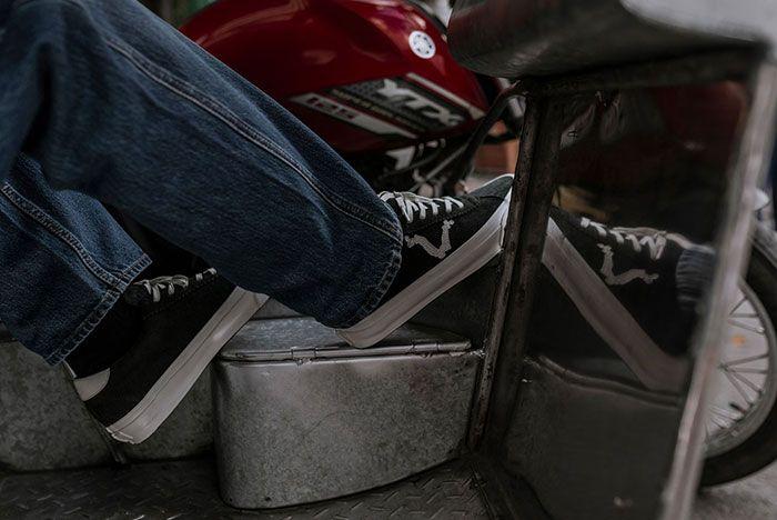 Blends Vans Vault Epoch Lx On Foot Three Quarter Heel Shot