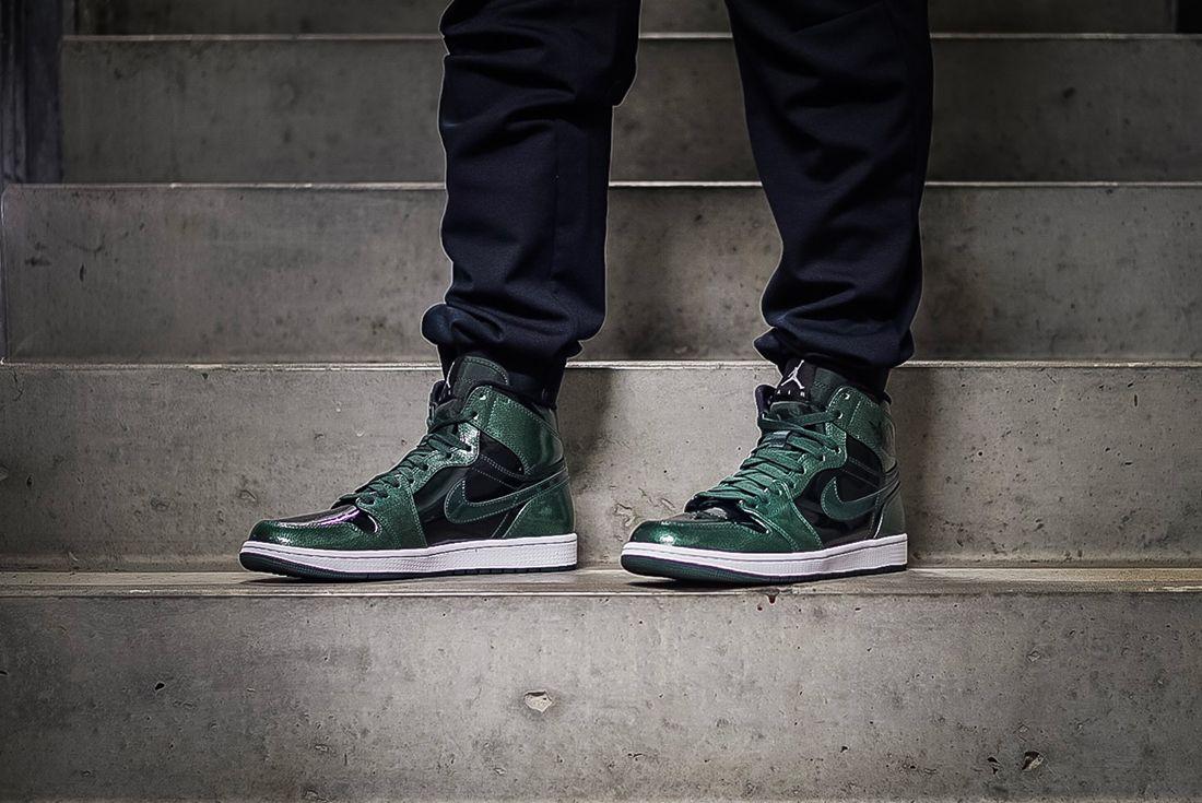 Air Jordan 1 Retro Hi Grove Green 4