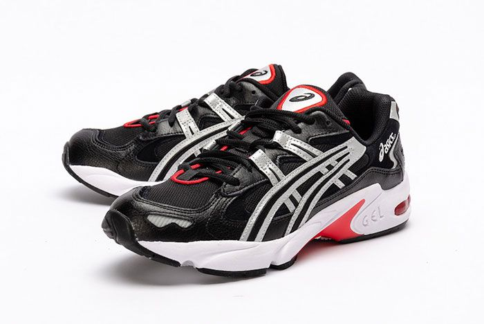 Asics Gel Kayano 5 Og Black Metallic Red Front Angle