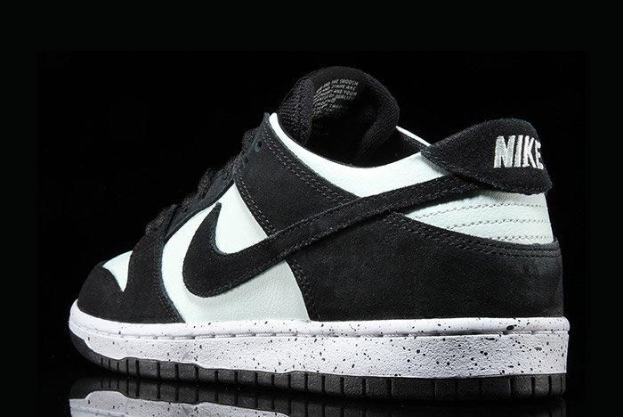 Nikesb Dunk Low Black Barelygreen2