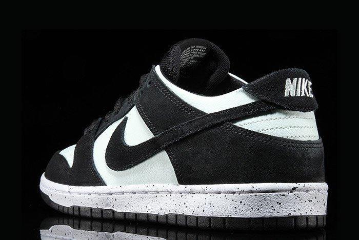 Nikesb Dunk Low Black Barelygreen2