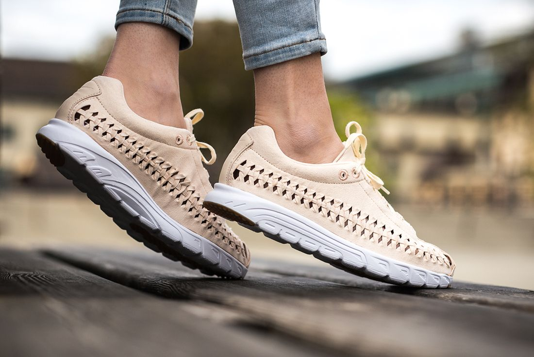 Nike Mayfly Woven Womens Pastel Pack 2