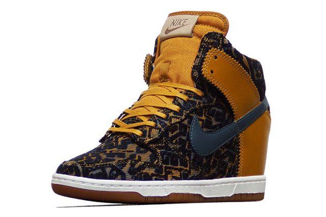 Nike Dunk Sky Hi Prm Gold Dynasty 3