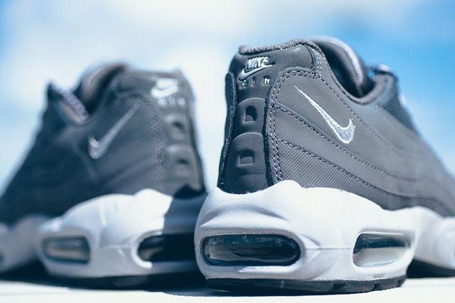 Nike Air Max 95 Dark Grey Wolf Grey 2