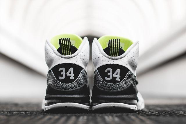 Nike Air Max Bo Jax Volt Snake 4