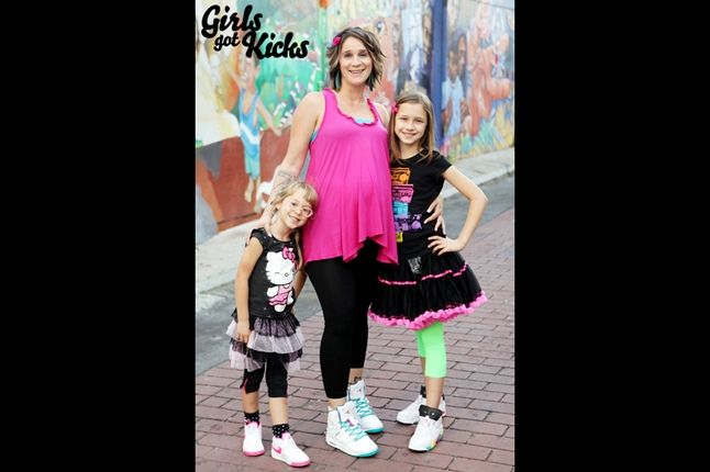 Girls Got Kicks 32 1