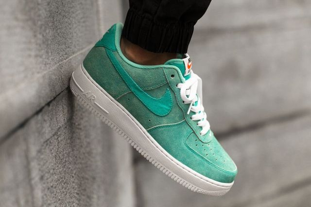 Nike Air Force 1 Low Light Retro Green Canvas 1