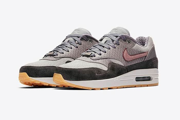 Nike Air Max 1 Bespoke Paris Thumb
