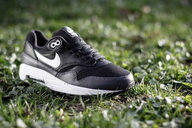 Nike Air Max 1 Gs Black Dark Grey 21