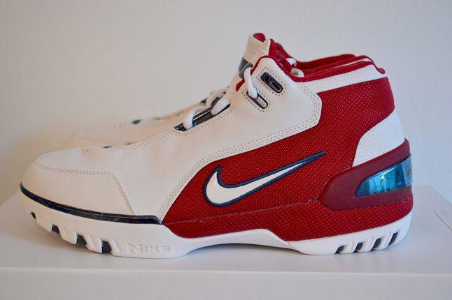 Sneaker Freaker Lebron Collector Garv 8 1