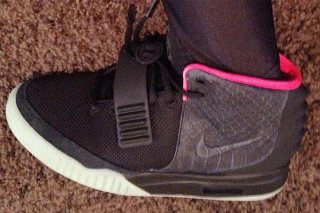 Nike Air Yeezy 2 Black Pink 01 2