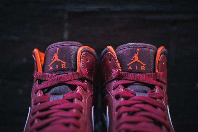 Air Jordan 1 Team Red Electric Orange 3