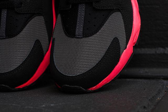 Nike Air Huarache Hyper Punch