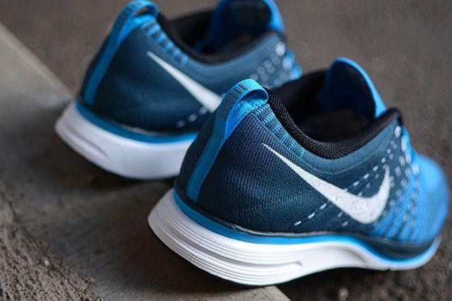 Nike Flyknit Trainer Blue Glow 1