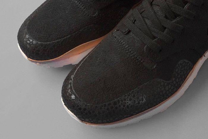 Nike Safari Royal Black 2