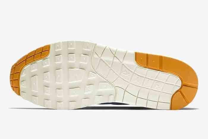 Nike Air Max 1 Mini Swoosh 2