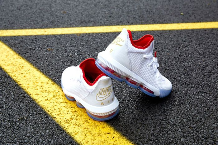Nike Le Bron 16 Low Draft Night Heel