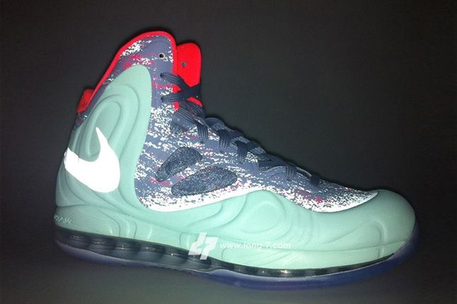 Nike Air Max Hyperposite Christmas Profile 3M Reflect 1