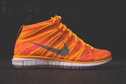 Nike Wmns Free Flyknit Chukka Atomic Mango Thumb