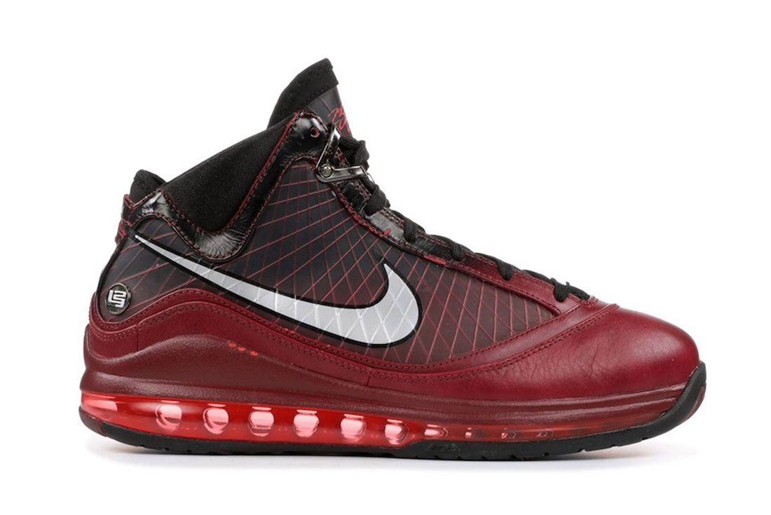 Nike Le Bron 7 Christmas 2019 Release Date Side