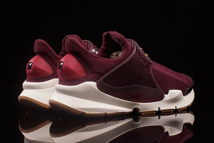 Nike Sock Dart Wmns Night Maroon 3