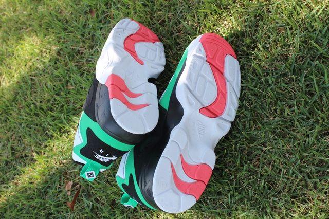 Nike Air Diamond Turf Gamma Green Sole Profile