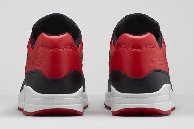 Nike Am1 Bred Bumperoo 3