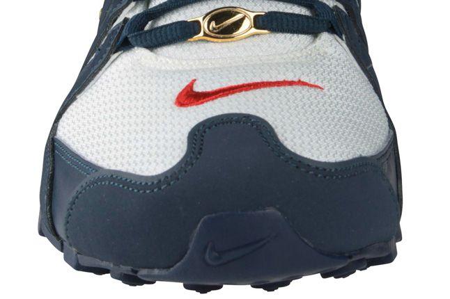 Nike Shox Nz Sole Toe Detail Foot Locker 1