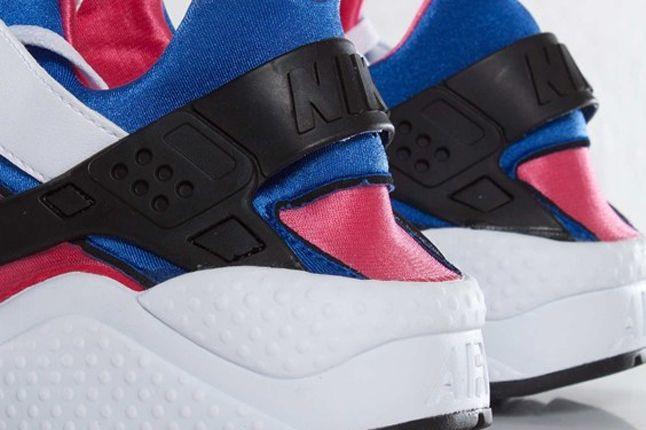 Nike Air Huarache Og Pink Heel Detail 1