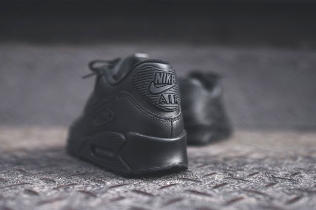Nike Air Max 90 Leather Triple Black Bumper 3