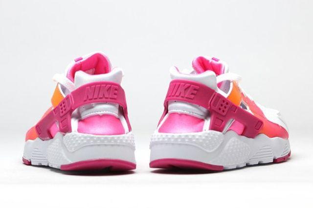 Nike Air Huarache Vivid Pink 1