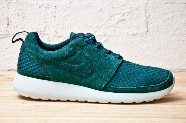 Nike Roshe Run Woven Teal Side 1