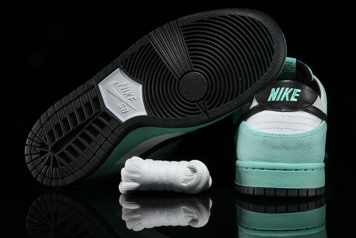 Nike Sb Dunk Low Sea Crystal 4