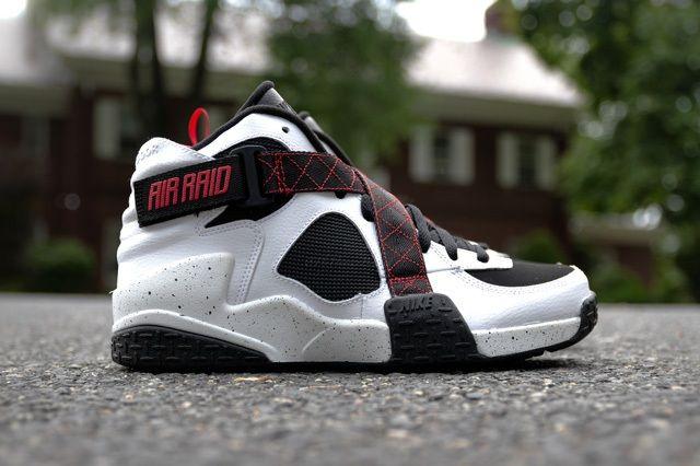 Nike Air Raid White Black University Red 6