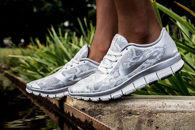 Nike Free 5 0 White Silver 1
