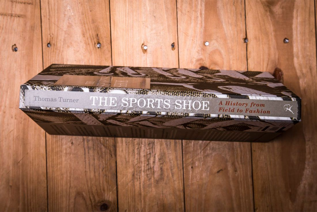 The Sports Shoe Book Lr 9 Spine
