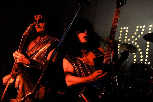 One Offs Kiss Band 5 1
