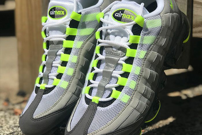 Nike Air Vapormax 95 Neon 2