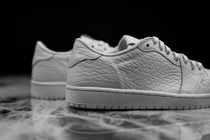 Air Jordan 1 Low Swooshless White 4