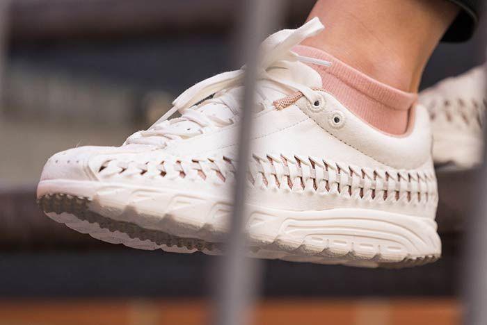 Nike Mayfly Woven Womens Sail 3
