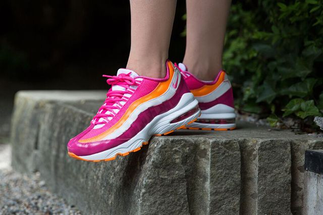 Nike Am95 Vivid Pink Bright Citrus 3