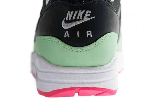 Nike Air Max 1 Fb Mint Pinkflash Heel Detail 1