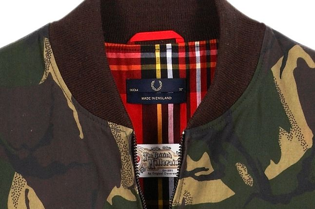 Fred Perry Laurel Wreath Camo Bomber Neck Detail 1