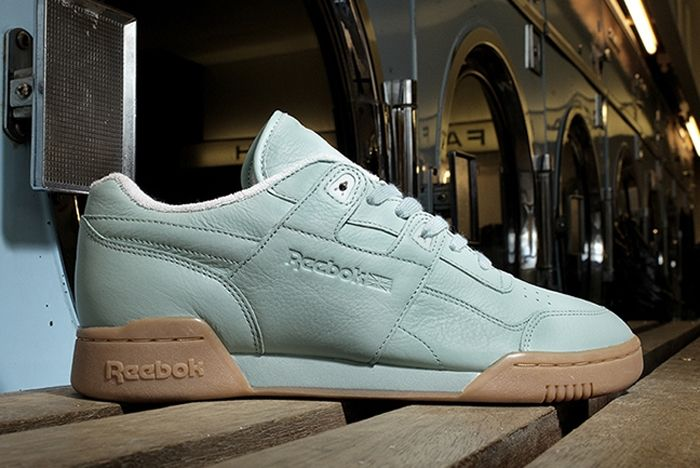 Reebok Tumbled Leather Size 6