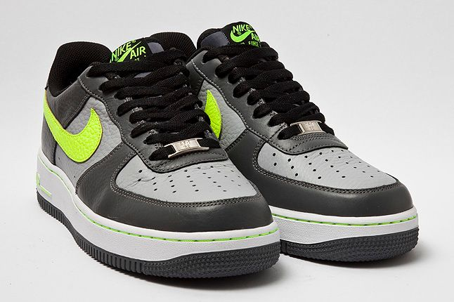 Nike Air Force 1 Volt Quarter 1